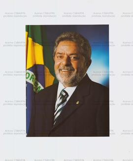 [Retrato oficial do Presidente da Republica Luis Inácio Lula da Silva] (Brasil, Data desconhecida).